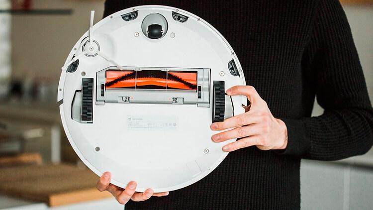 Xiaomi Mi Robot снизу