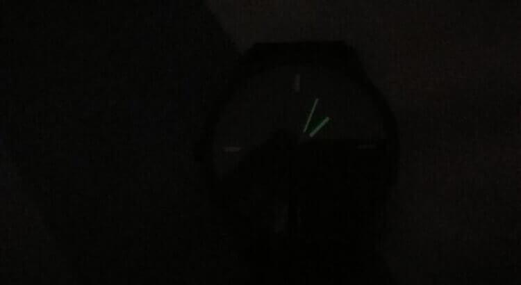 Циферблат Lenovo Watch 9 в темноте