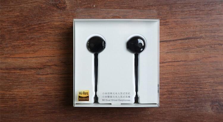 Упаковка Xiaomi Mi Half in-Ear