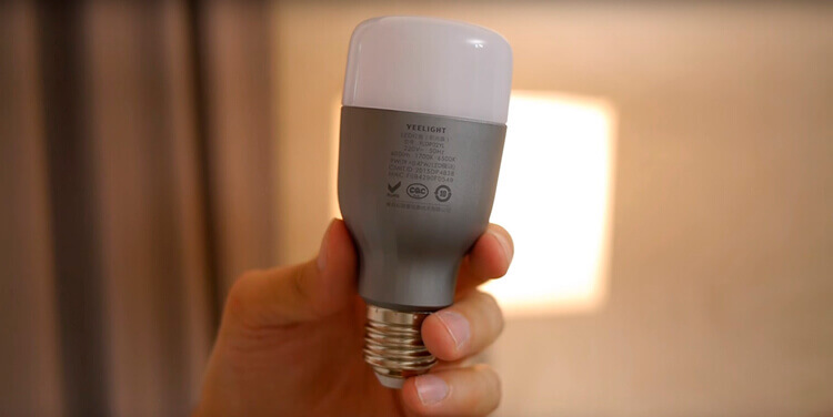 Лампа Xiaomi Yeelight