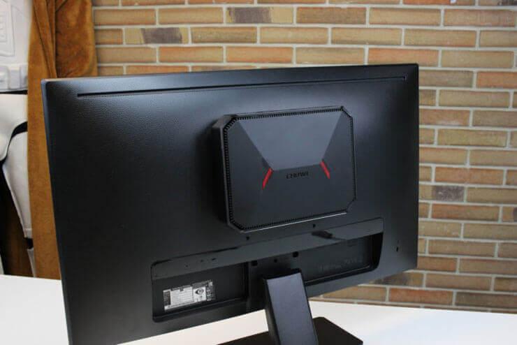CHUWI GBox крепится к монитору
