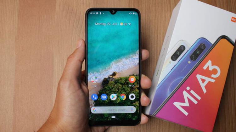 Xiaomi Mi A3 в ладони